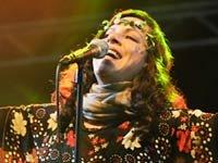La cantante brasileña Bebel Gilberto en un concierto en Inglaterra, 2010.
