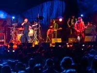 Banda argentina Babasónicos en el escenario de la Feria Internacional de Música 2012, Guadalajara, México.