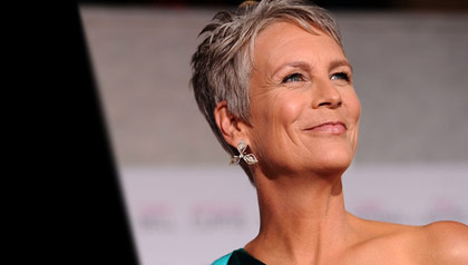 Jamie Lee Curtis looking beautiful with gray hair