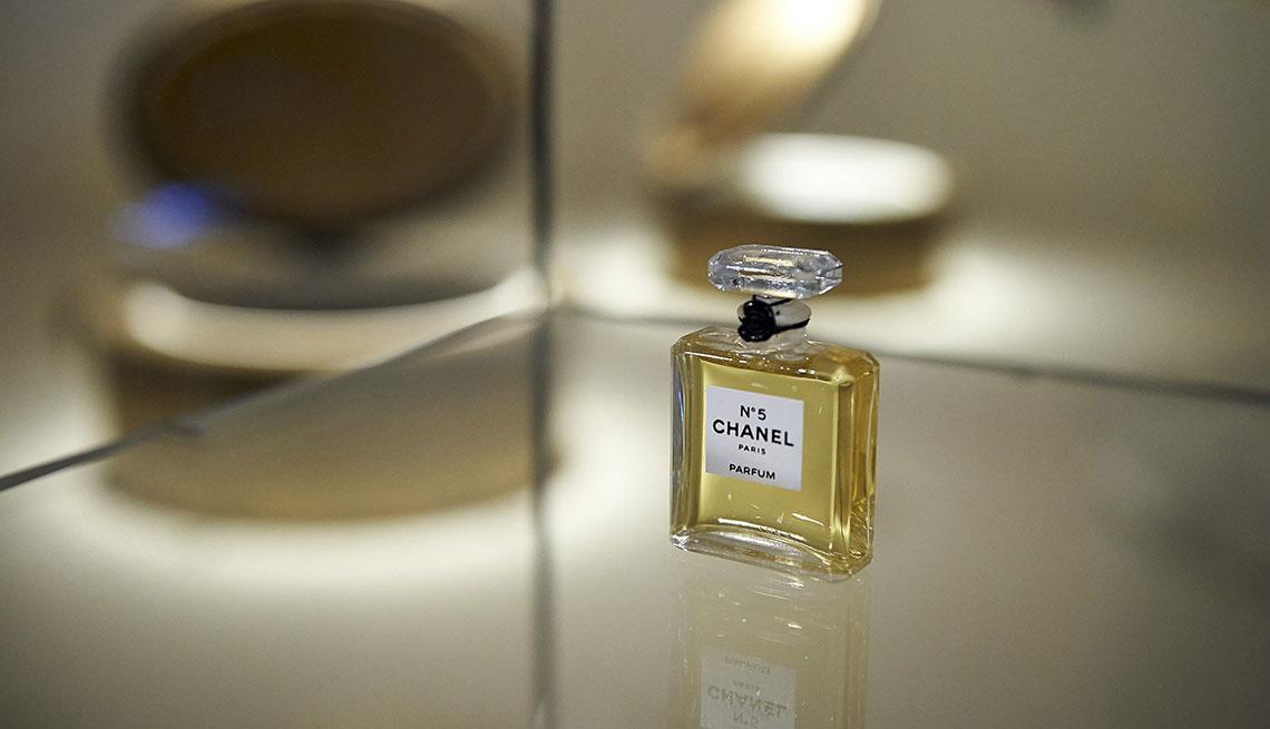 Chanel No. 5 Eau de Perfume by Chanel