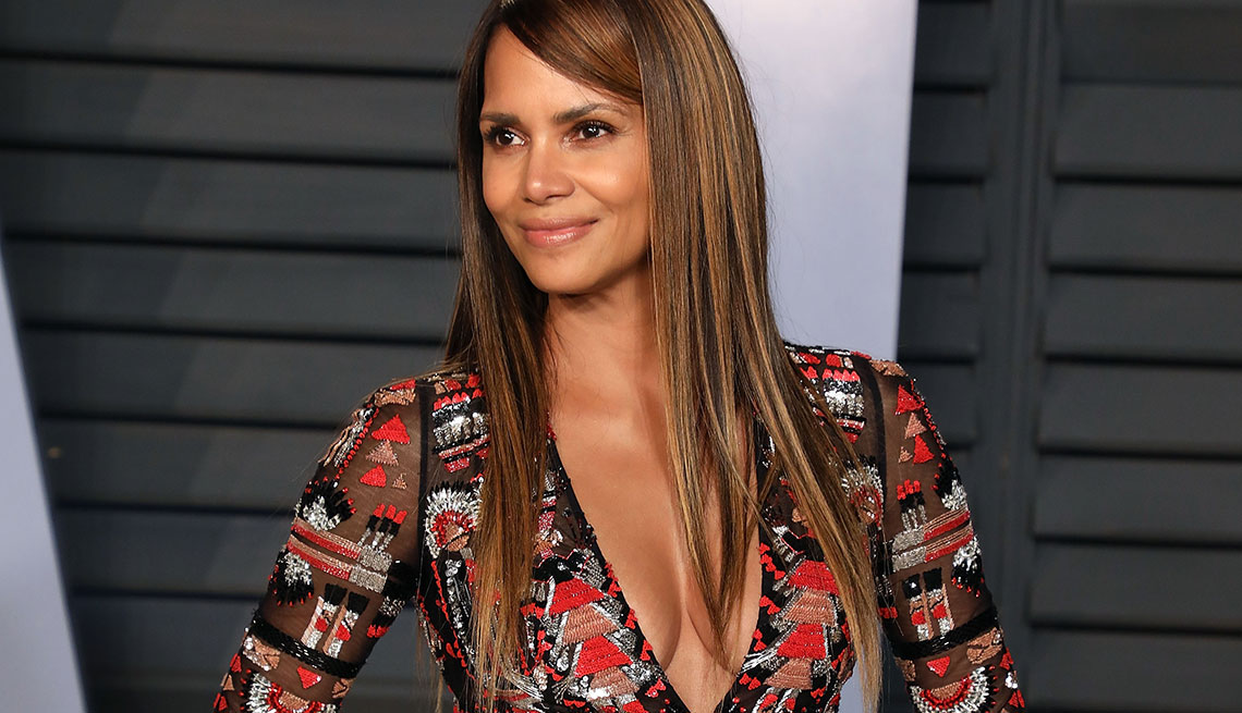 item 1 of Gallery image - Halle Berry in low cut micro-mini dress 2018 at the Vanity Fair Oscar Party