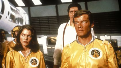 Moonraker, Lois Chiles, Richard Kiel, Roger Moore, 1979
