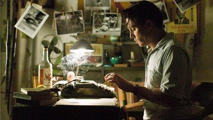 """Jhonny Depp como Paul Kemp en """"The Rum Diary""""."""