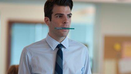 Zachary Quinto como Peter Sullivan en la pelicula: 'Margin Call'