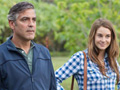 """Actors George Clooney (L) as """"Matt King"""" and Shailene Woodley (R) as """"Alexandra"""" in the film """"The Desendents."""""""