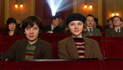 Asa Butterfield y Chloe Moretz en la película: 'Hugo', 2011
