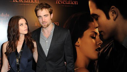 Robert Pattinson and Ashley Greene attend the premiere of Twilight: Breaking Dawn