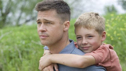 Brad Pitt y Laramie Eppler en the Tree of Life