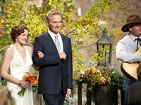Elisabeth Moss and Kevin Kline star in