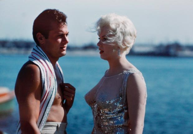 Marilyn Monroe and Tony Curtis on set Some Like It Hot