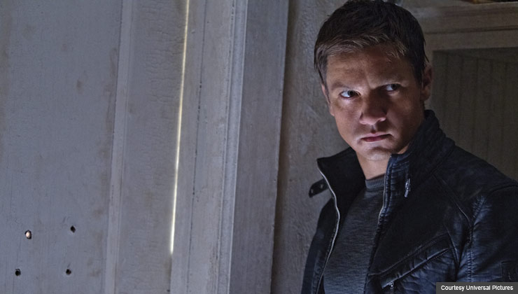 JEREMY RENNER in, The Bourne Legacy