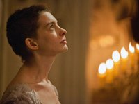 Les Miserables movie review Anne Hathaway