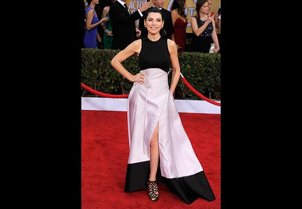 Julianna Margulies on red carpet at Screen Actors Guild Award 2013