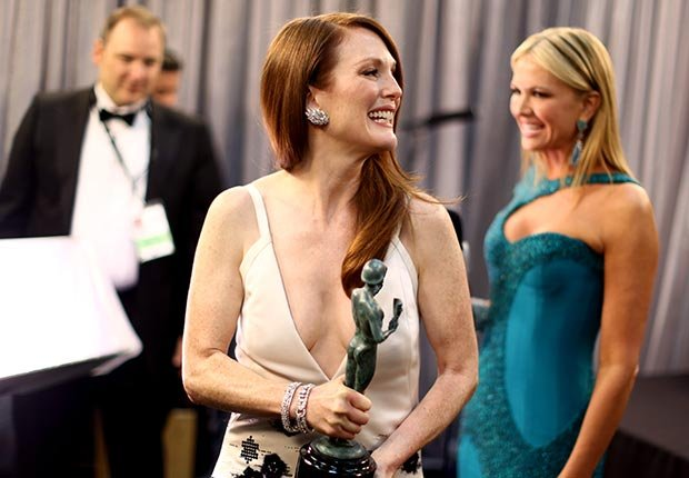 Julianne Moore backstage at the Screen Actors Guild Awards 2013