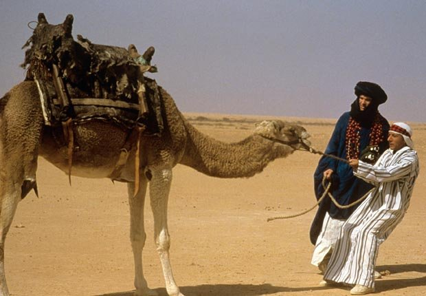 Dustin Hoffman y Warren Beatty en la película Ishtar en 1987