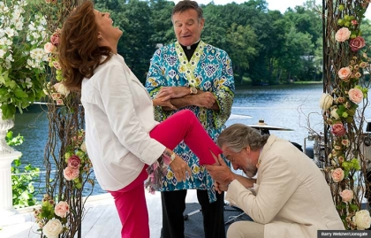 Susan Sarandon, Robin Williams, and Robert De Niro in The Big Wedding. For the online movie preview.