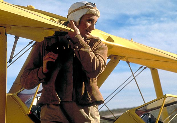 Kristin Scott Thomas in The English Patient, War Movie Slideshow