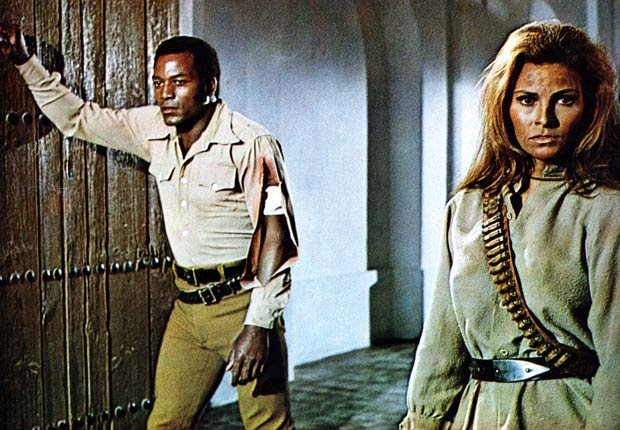 Raquel Welch and Jim Brown in 100 RIFLES (20TH FOX/Ronald Grant Archive/Mary Evans/Courtesy Everett Collection)