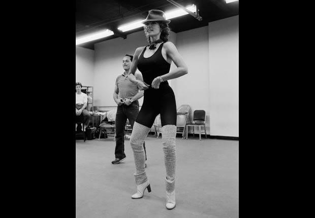 Raquel Welch rehearsing on Broadway (Tony Kent/Sygma/Corbis)