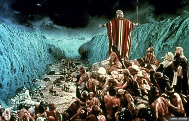 Charlton Heston in Ten Commandments, 1956. Best Bible Movies. (Everett Collection)