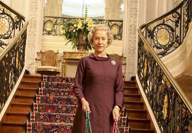 Actriz británica Mirren Helen en la pelíclula Elizabeth II por la cual la actriz se ganó el oscar