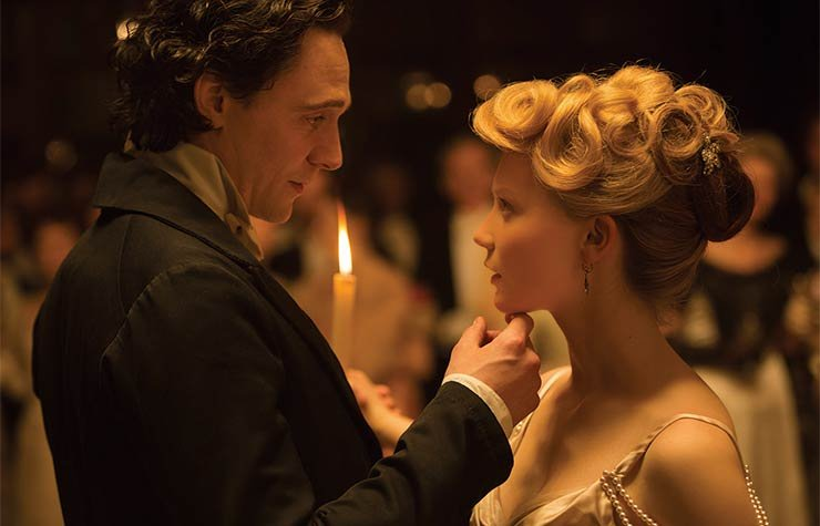 Tom Hiddleston and Mia Wasikowska in Crimson Peak