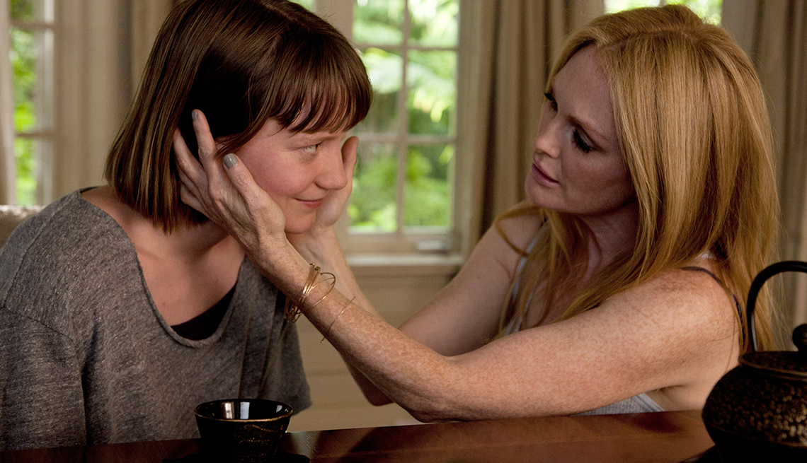 Mia Wasikowska, Julianne Moore, Maps to the Stars, movie review