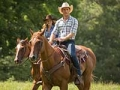 Britt Robertson y Scott Eastwood en una escena de la película The Longest Ride