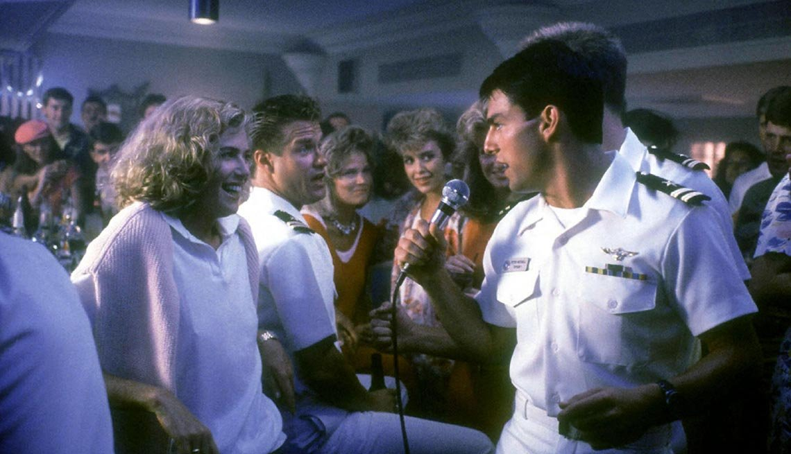 Kelly McGillis and Tom Cruise in 'Top Gun'