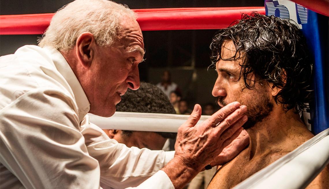 Robert De Niro and Edgar Ramírez star in 'Hands of Stone'