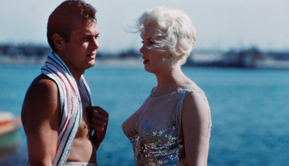item 11 of Gallery image - Marilyn Monroe 50 años tras su muerte - 'Some Like It Hot (Con faldas y a lo loco)' (1959)