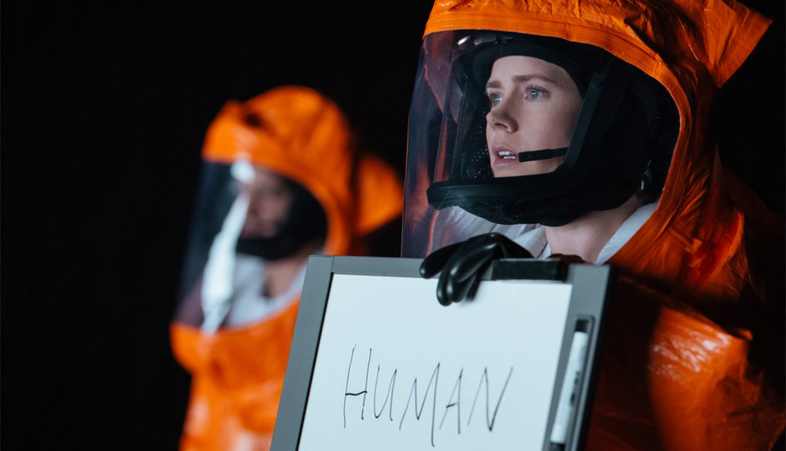 Amy Adams in 'Arrival', movies for grownups 2016 selection