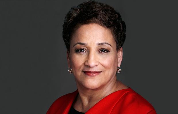 Retrato de Jo Ann Jenkins, Directora Ejecutiva de AARP, quien se dirigió a los estudios de Hollywood, para que consideren más a sus actores veteranos