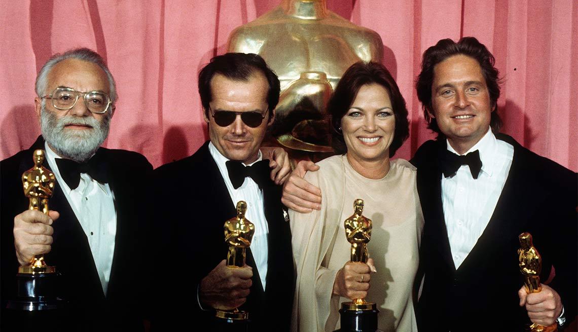 Recibiendo el Oscar -  La carrera de Michael Douglas a través de los años