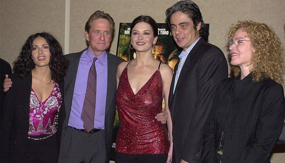Salma Hayek, Michael Douglas, Catherine Zeta-Jones, Benicio del Toro y Amy Irving - La carrera de Michael Douglas a través de los años