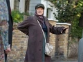 La actriz Maggie Smith en una escena de la película The Lady in the Van
