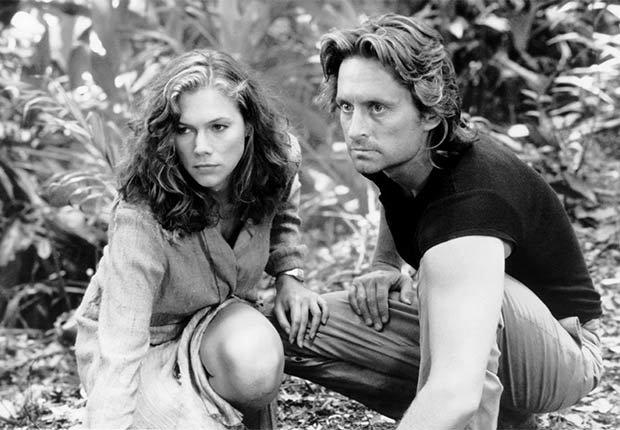 Escena de la película Romancing the Stone - La carrera de Michael Douglas a través de los años
