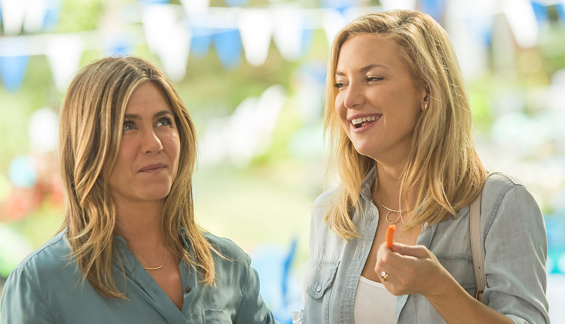 Jennifer Aniston and Kate Hudson in 'Mother's Day'