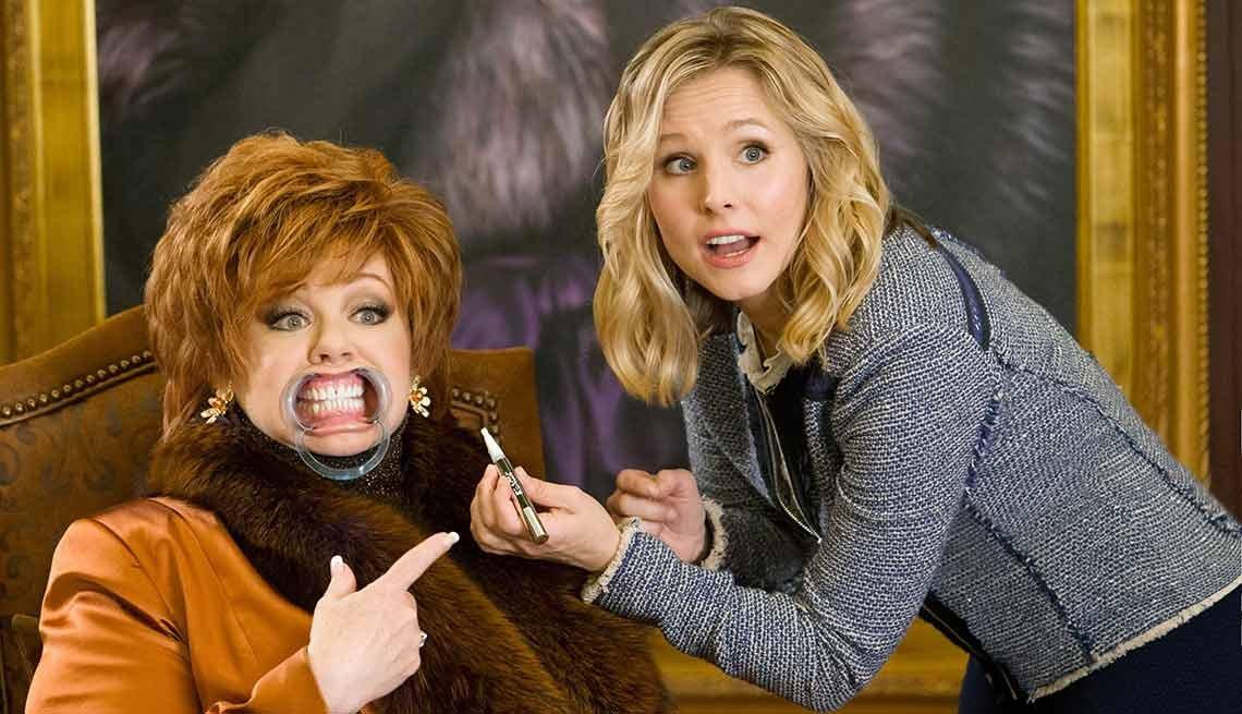 Melissa McCarthy y Kristen Bell en una escena de la película 'The Boss'