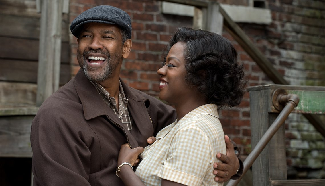 Denzel Washington and Viola Davis in 'Fences'