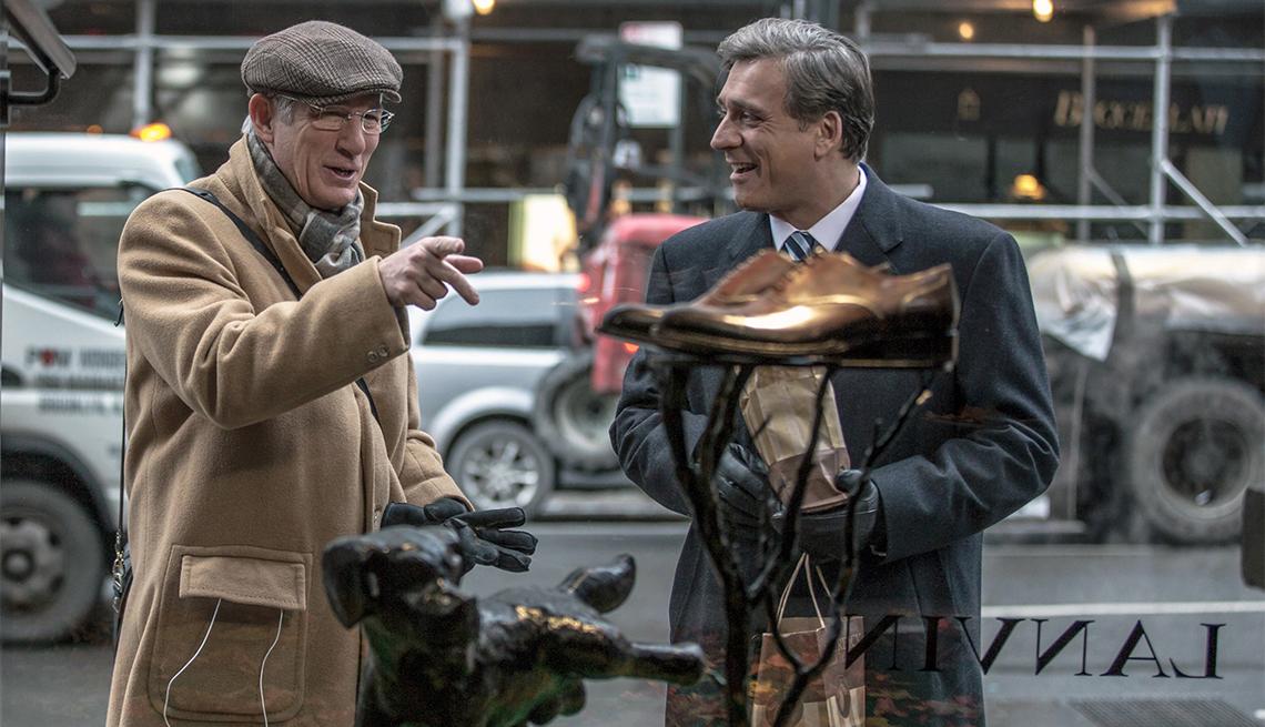 Escena de la película Norman: The Moderate Rise and Tragic Fall of a New York Fixer