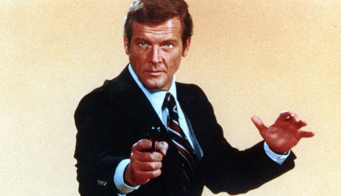 Roger Moore como James Bond en The Spy Who Loved Me