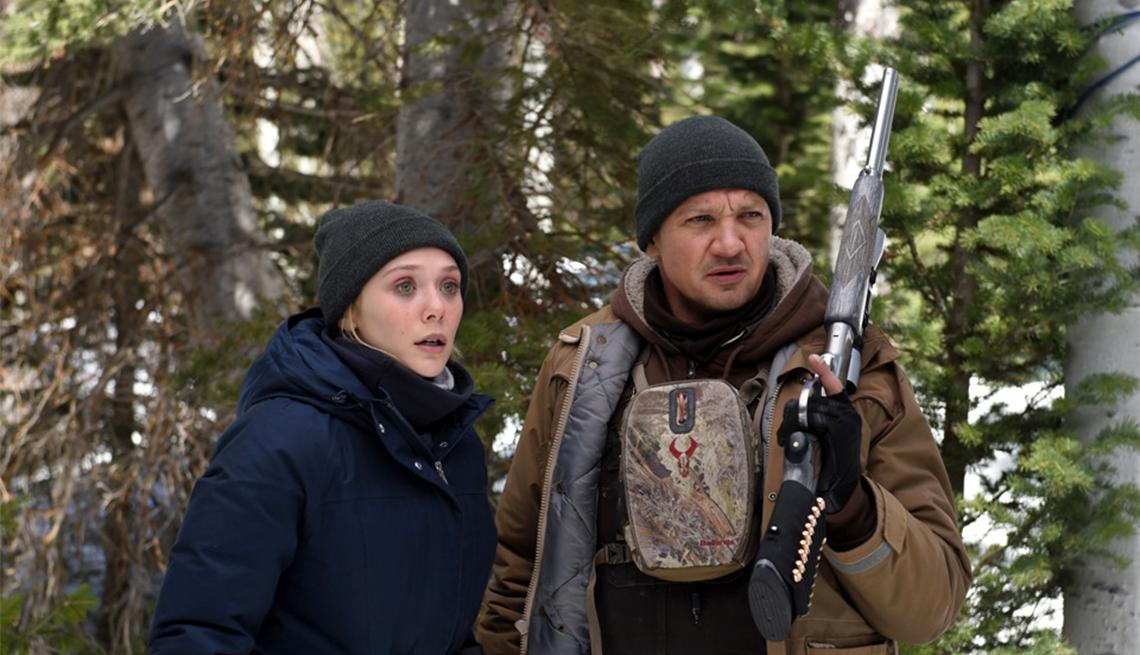 Elizabeth Olsen and Jeremy Renner star in 'Wind River'
