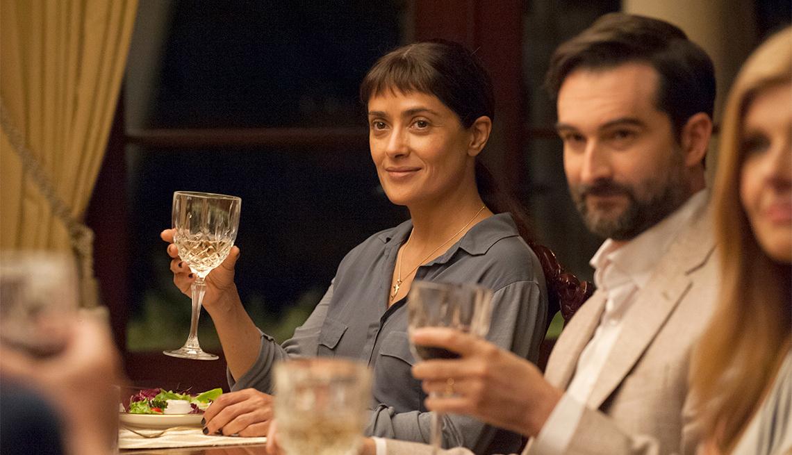 Salma Hayek en una escena de Beatriz at Dinner