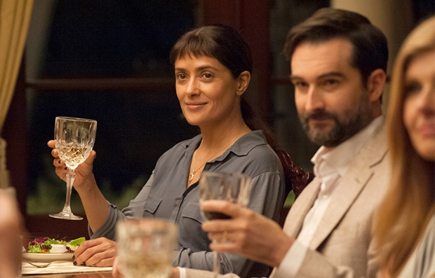 Salma Hayek en una escena de Beatriz at Dinner