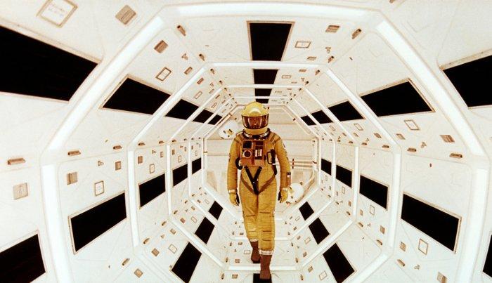 "مشهد من فيلم ""2001: A Space Odyssey""."