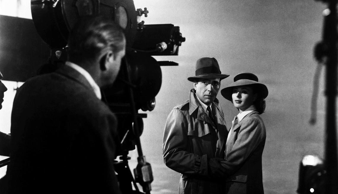 Humphrey Bogart and Ingrid Bergman on the set of 'Casablanca'