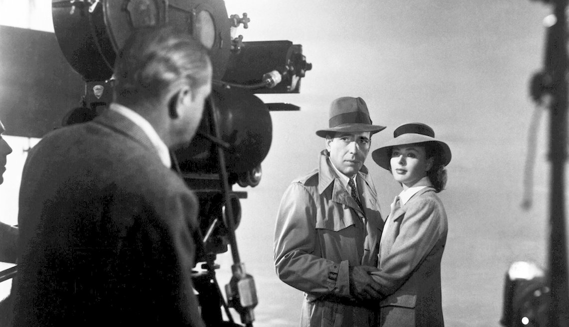 Humphrey Bogart and Ingrid Bergman on the set of 'Casablanca'