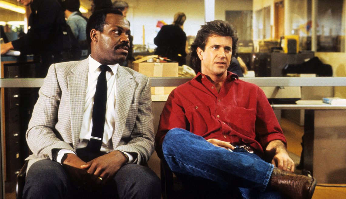 Actors Danny Glove and Mel Gibson in movie still from 'Lethal Weapon'