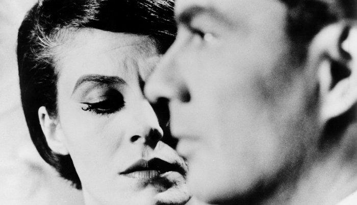 "Delphine Seyrig و Giorgio Albertazzi في فيلم ""Last Year at Marienbad""."